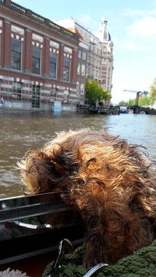 Ich, Fredi, auf Grachtenfahrt in Amsterdam