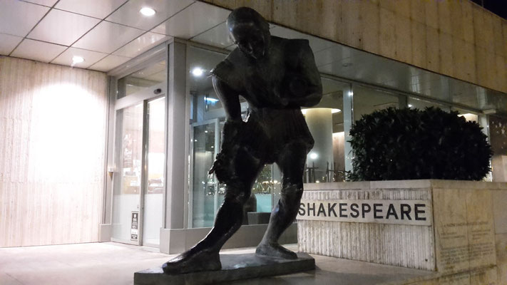 Shakespeare? In Budapest?!