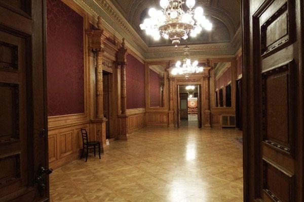 Zugangsbereich zum Aufführungssaal der Ungarischen Staatsoper