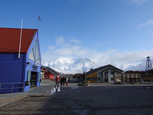 """""""Zentrum"""" von Longyearbyen"""