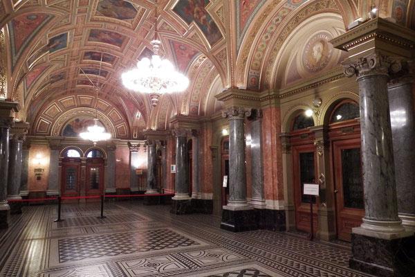 Eingangsbereich der Ungarischen Staatsoper