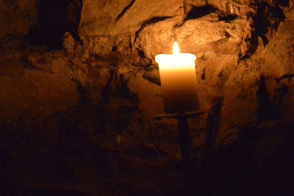 Kasimir, Cäsar und Fredi trauen sich in die unterirdischen Gewölbe Edinburghs, Schottland