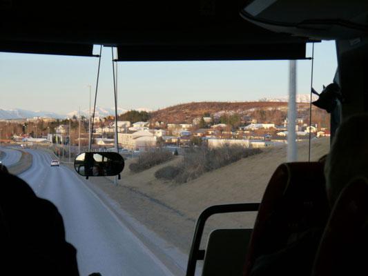 Kasimir, Cäsar und Fredi auf dem Weg von Keflavik nach Reikjayvik
