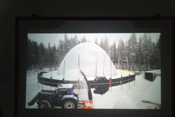 Und so wird das Snow Village gebaut.