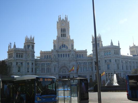 die Strassen Madrids, hier: das Rathaus