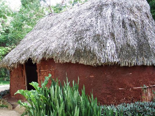 Wohnhaus einfacher Maya vor 1.100 Jahren, Chichén Itzá, Yucatán - Mexiko