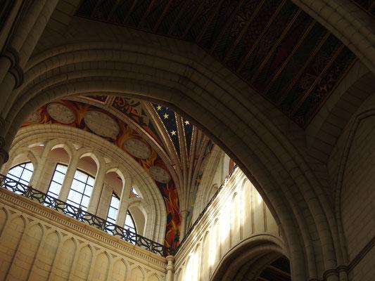 Gewölbe der Santa María la Real de La Almudena