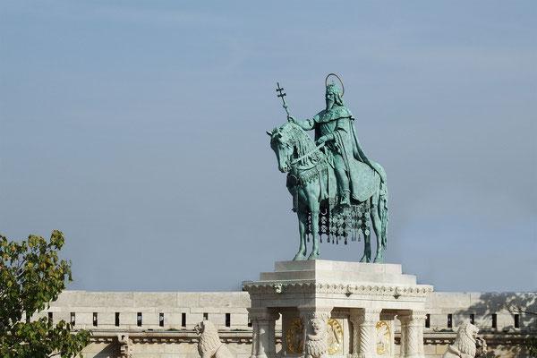 Szent István - Statue in Buda