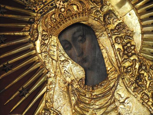die Schwarze Madonna in der Torkapelle am Tor der Morgenröte