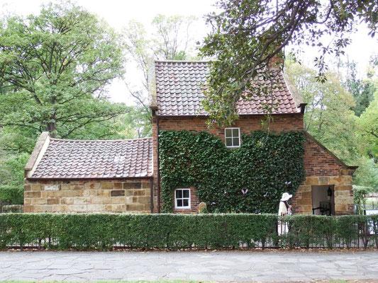 das Cook's Cottage, Ihr wisst schon- James (nicht Thomas!) Cook