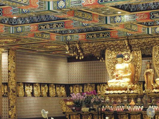 im Tempel-Inneren