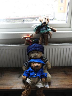 Ja da haben wir gleich unsere Wintersachen angezogen! Für Pelzmützen war es glücklicherweise dann doch nicht kalt genug.