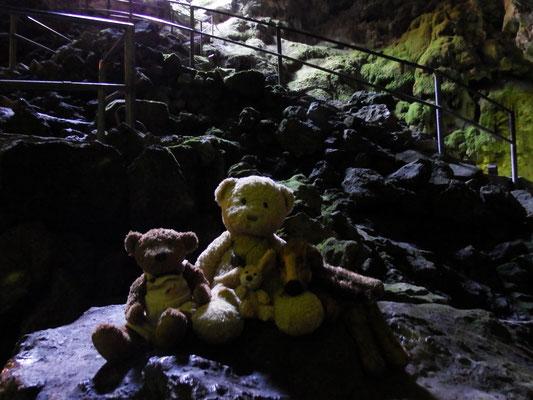 wir - Kasimir, Cäsar, Fredi und Kerl - in der Zeushöhle