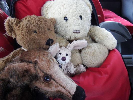 Kasimir, Cäsar, Fredi und Kerl im Bus
