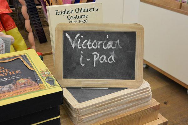 Jetzt wissen wir es: der Vorläufer des iPads war die Schiefertafel!