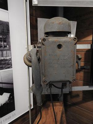 altes Telefon im Museum Ny Ålesunds