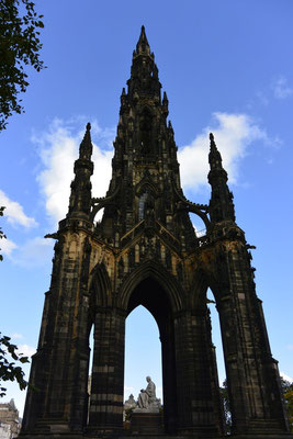 Scotts Monument in Edinburgh, Schottland - Walter Scott, der Autor von Ivanhoe!