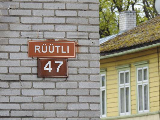 Hier wohnte in den 1930er Jahren mit ihren Eltern in einem gelben Haus an der Ecke der Linda- und Rüütli-Straße Ilon Wikland. Wer das war? Die Illustratorin der Bücher von Astrid Lindgren!