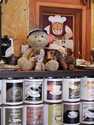 Wir im Village Café in Swakopmund.