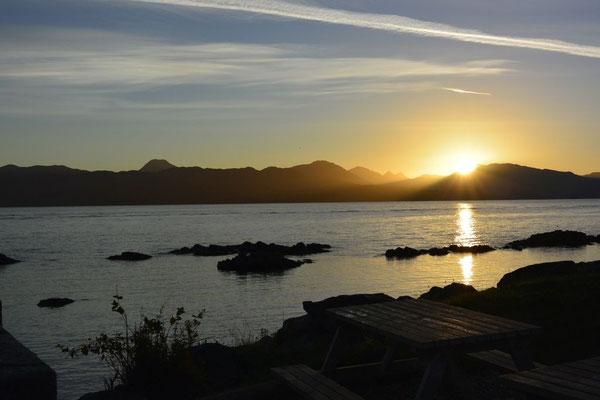 Kasimir, Cäsar und Fredi erleben den Sonnenaufgang in Portree, Isle of Skye, Schottland