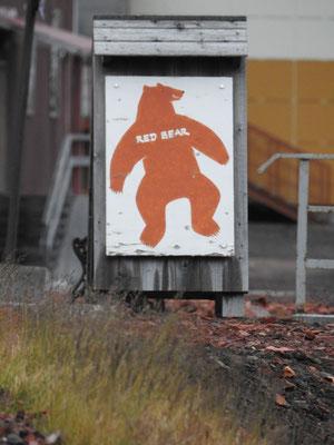 Barentsburg hat genau eine Bar - die nördlichste Bar auf der Welt