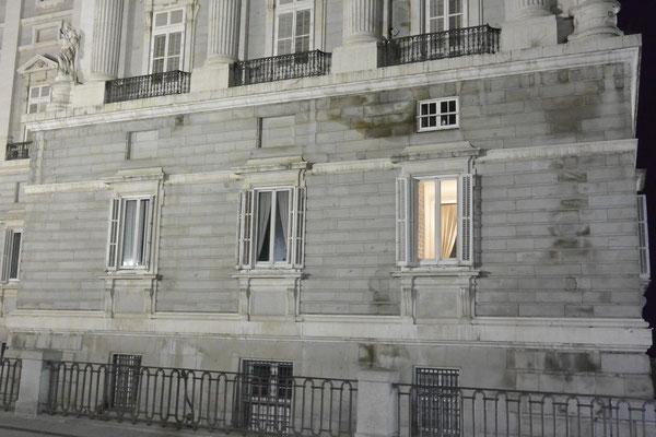 Palacio Real, Madrid, bei Nacht - Fenster vom Zimmer Letitias?