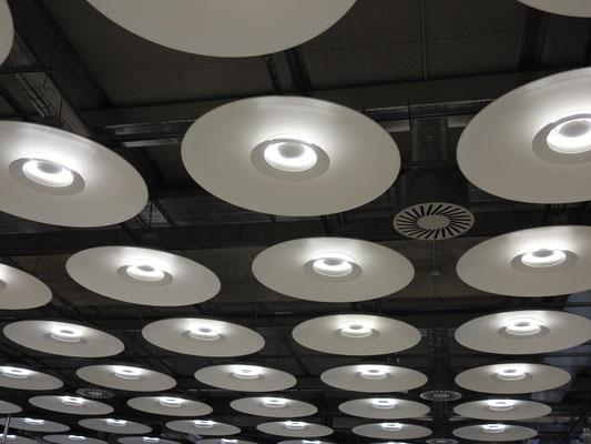 Decke des Flughafens Madrids