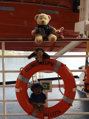 wir inspizieren das Schiff