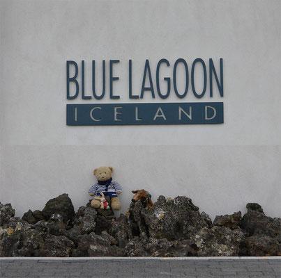 Kasimir, Cäsar und Fredi am Eingang zur Blauen Lagune