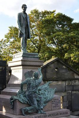 Überraschung: Abraham Lincoln - Denkmal auf dem Old Calton Cemetry in Edinburgh, Schottland