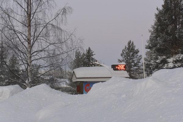 . . . satte minus 28 Grad die übrigen Tage (vorübergehend sogar minus 30 Grad!).