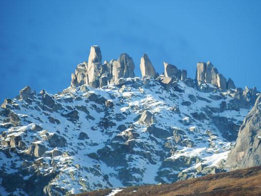 Schweizer Bergwelt mit Schnee