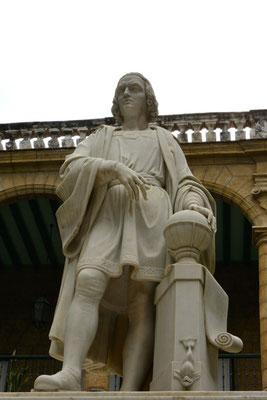 genau, Kolumbus, im Innenhof des Nationalmuseums