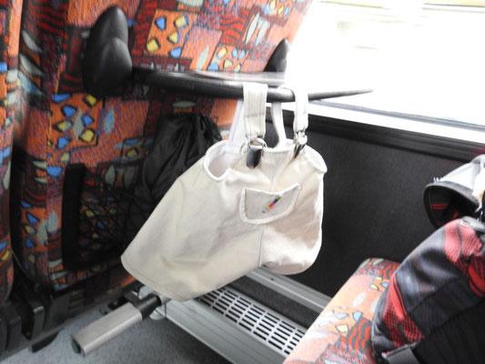 Zum Glück kann meine, Kerls, Hose, im Bus trocknen.