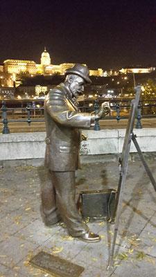 aaah, könnte auch in Montparnasse, Paris sein - ist es aber nicht, am Donauufer in Budapest