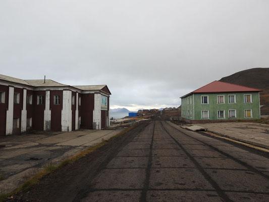 die Hauptstrasse Barentsburgs