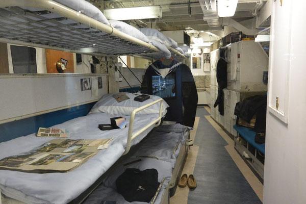 so schliefen die Matrosen auf der Royal Britannia - Doppeldecker? Tripeldecker!