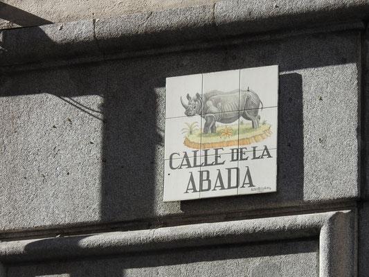 wunderschöne Strassenschilder in Madrid