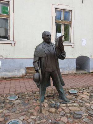 Wer das ist? Johann Voldemar Jannsen, Publizist und Texter der estnischen Nationalhymne, der von 1819 bis 1890 lebte.