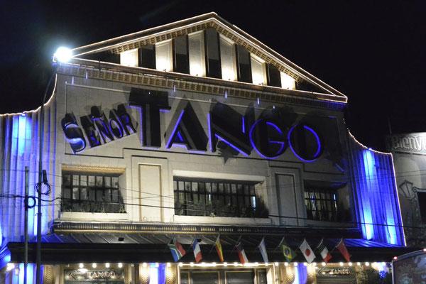 im Señor Tango, Buenos Aires, geht gleich die Post ab