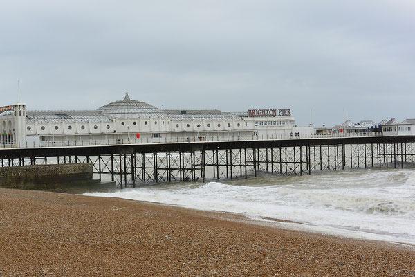 Kasimir, Cäsar, Fredi und Kerl besuchen das vornehme Brighton