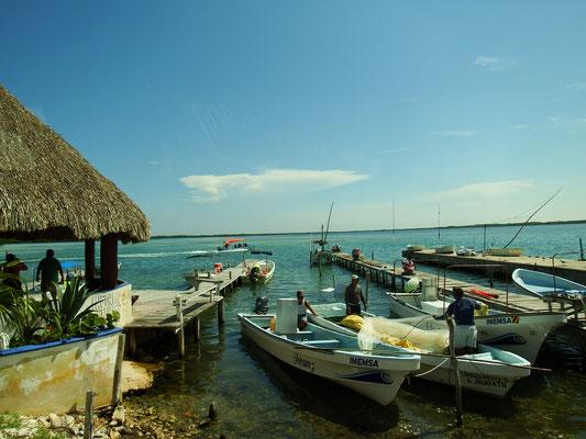 Hafenpromenade Rio Lagartos -  Riviera Maya - Yucatán, Mexiko