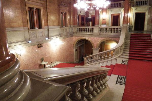 Freitreppe der Ungarischen Staatsoper