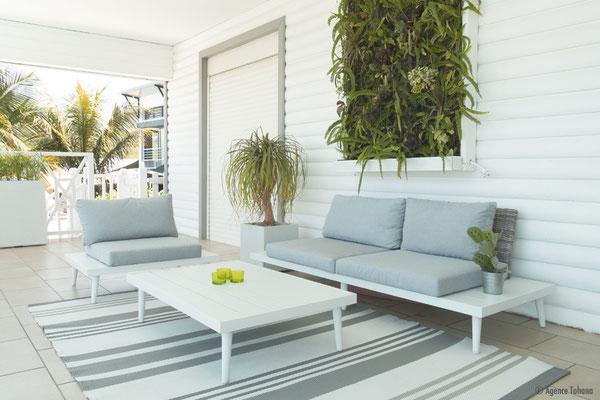 La terrasse du 1er étage redécorée par l'Agence Tohana