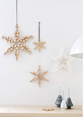 Billes de bois en forme d'étoiles
