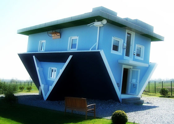 Haus auf dem Kopf in Trassenheide