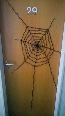 Meine Besucher wurden bereits an meiner Zimmertür vorgewarnt. Ich bin ja nicht so ;D