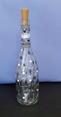 crea-tions46-bouteille lumineuse domino blanc et noir