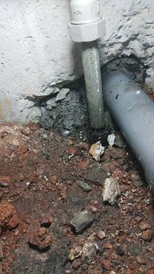 劣化した水道管改修工事
