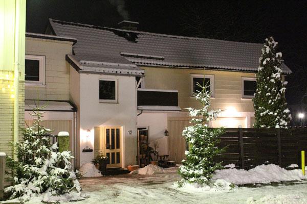 Hauseingang im Winter